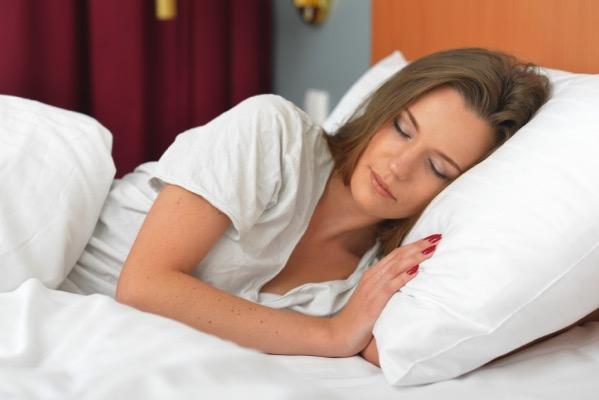 枕を高くして寝る